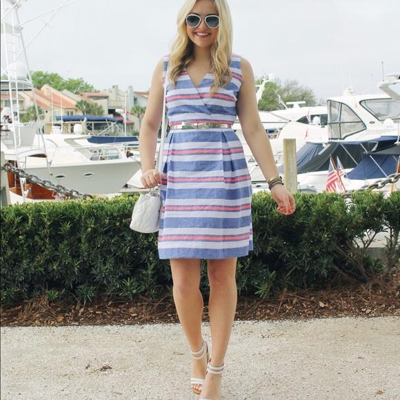 Vineyard Vines Dresses & Skirts - Vineyard Vines Chambray Stripe Dress